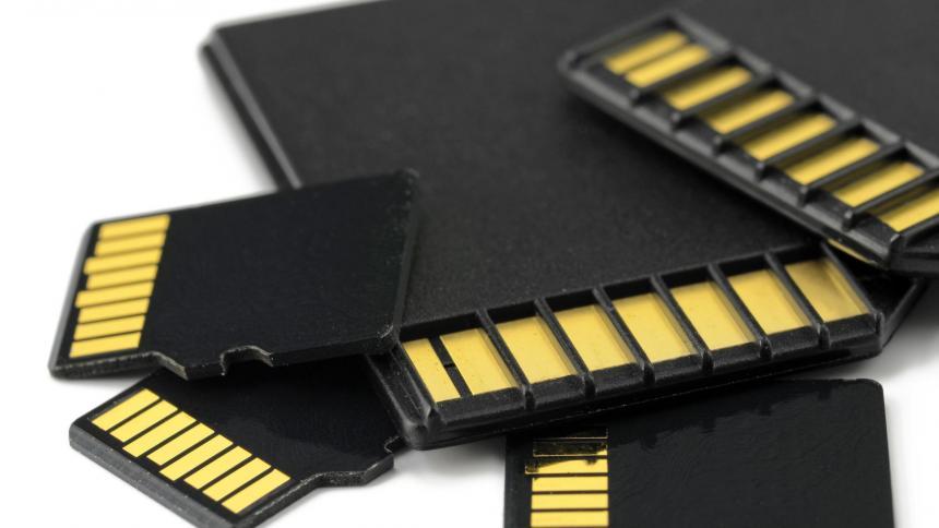 odzyskiwania danych z kart pamięci